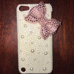 Rhinestone and Pearl Bow iPod 5 case